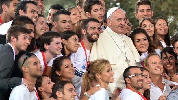 francisco y jóvenes