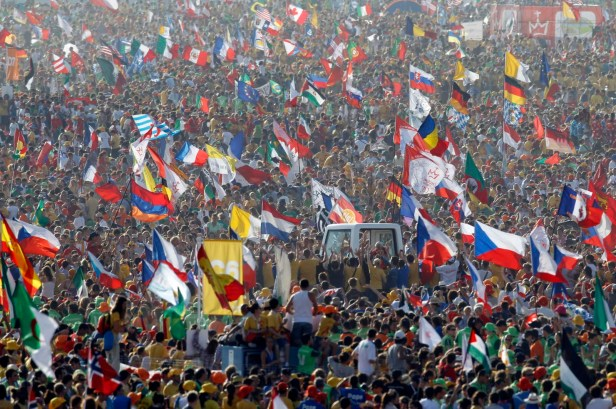 Multitud de jóvenes con el Papa en Cracovia