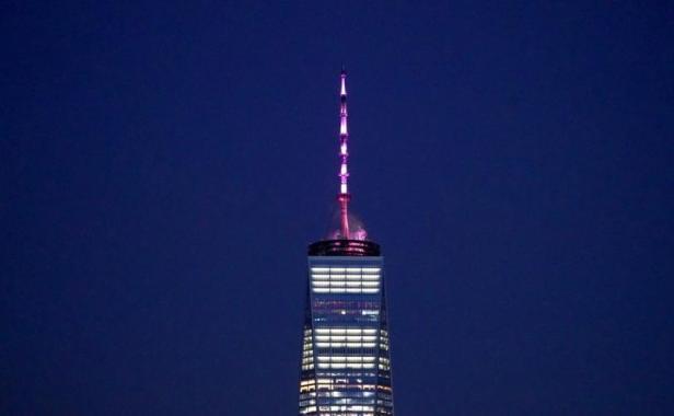 """De rosa para """"celebrar"""" legalización del aborto en Nueva York"""