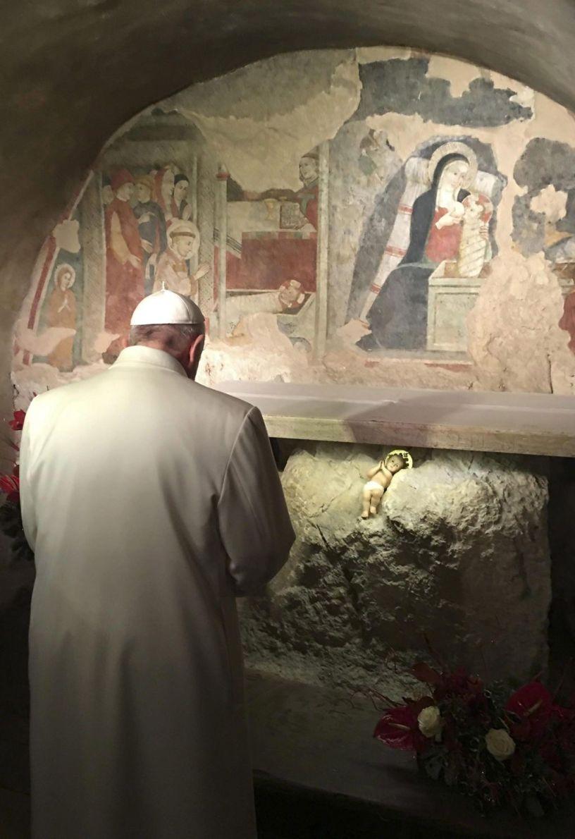El Papa en Greccio donde se realizó el primer Nacimiento